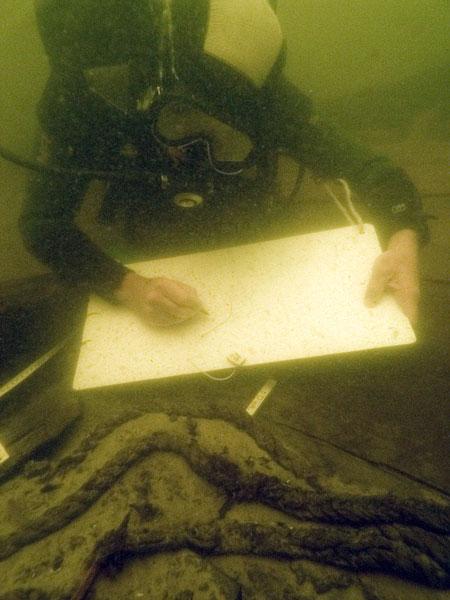 Подводная археология. Документирование, зарисовка местоположения экспанатов.