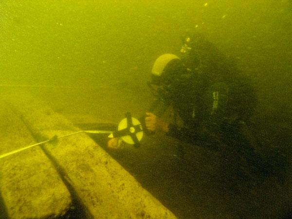 Подводные археологические работы.